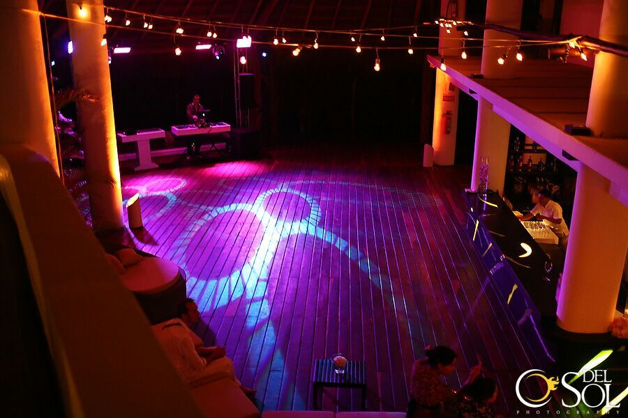 Intelligent Dance Floor Lighting